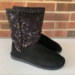 Like new Diva Lounge black suede snow boots